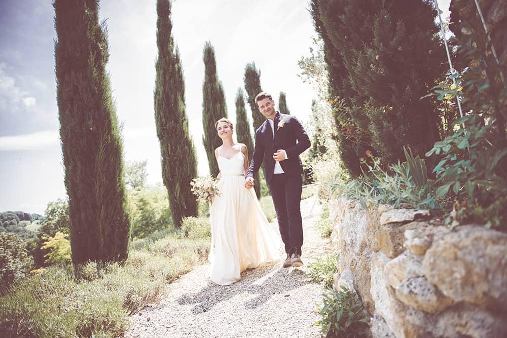 @Valerie_ und_ Ben Hochzeit im Südsteiermark Garten Zypressenallee Toskanafeeling